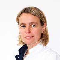 Iris Van Soens - Dierenarts Specialist